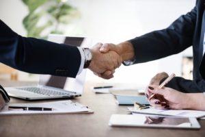 Percakapan Bisnis Menyambut Tamu Yang Datang Ke Kantor Dalam Bahasa